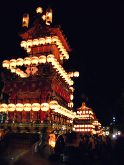 Takayama festival (autumn)-1.jpg