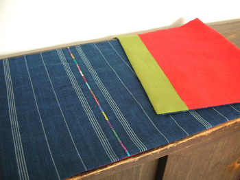 table cloth (fitted  size)-backside.jpg
